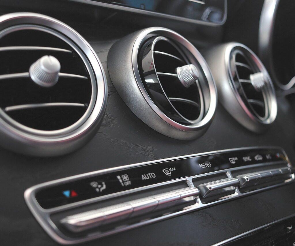 Ozonowanie samochodu Warszawa